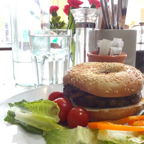 vegi burger at the green kitchen